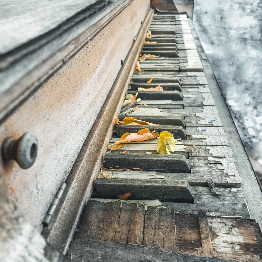 rustic piano home decor