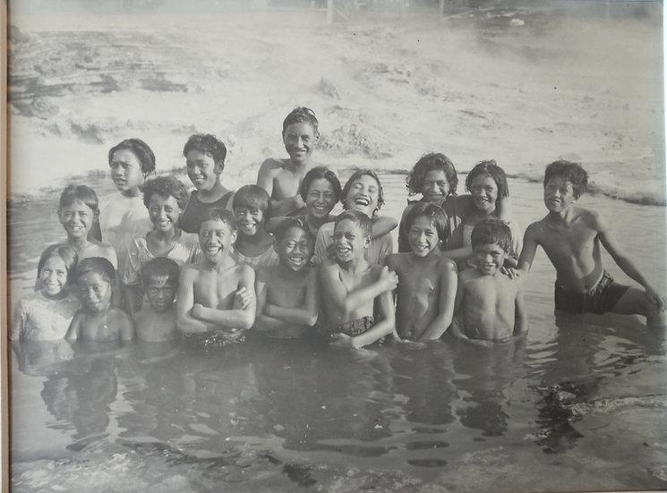 Photograph by Troughton-Clark 1930s - Children at Whakarewarewa (2)