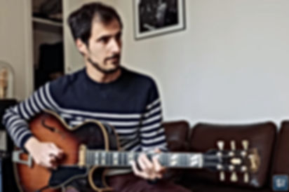 Martin GIOANI avec Thierry RESTA Luthier