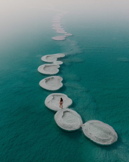 Salt structures at the Dead Sea