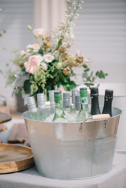 Metal Tub with Wooden handle