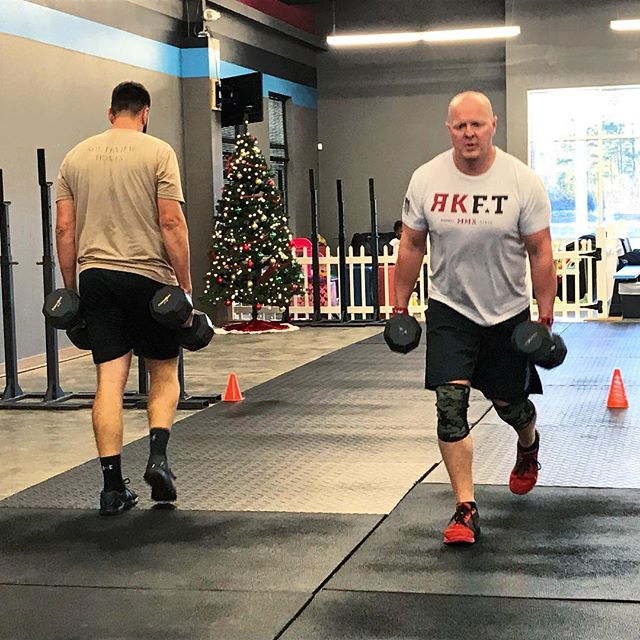 lunges christmas