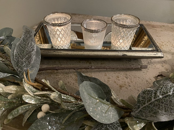 Tea light Tray with Three Tealights