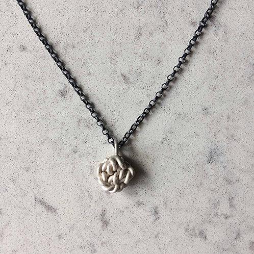 Knot pendant No.3