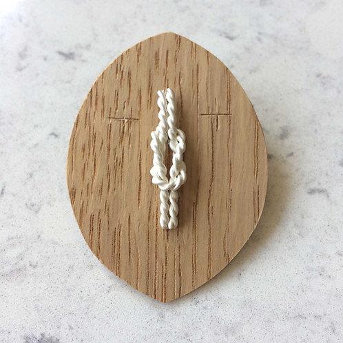knot pin No.8