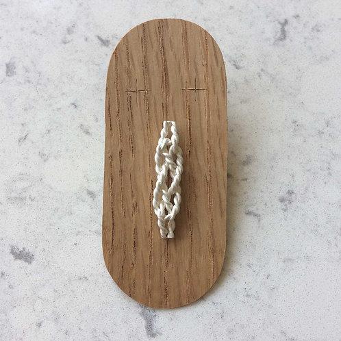 knot pin No.6