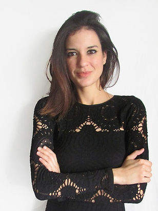 Amanda web Pic 2_edited.jpg