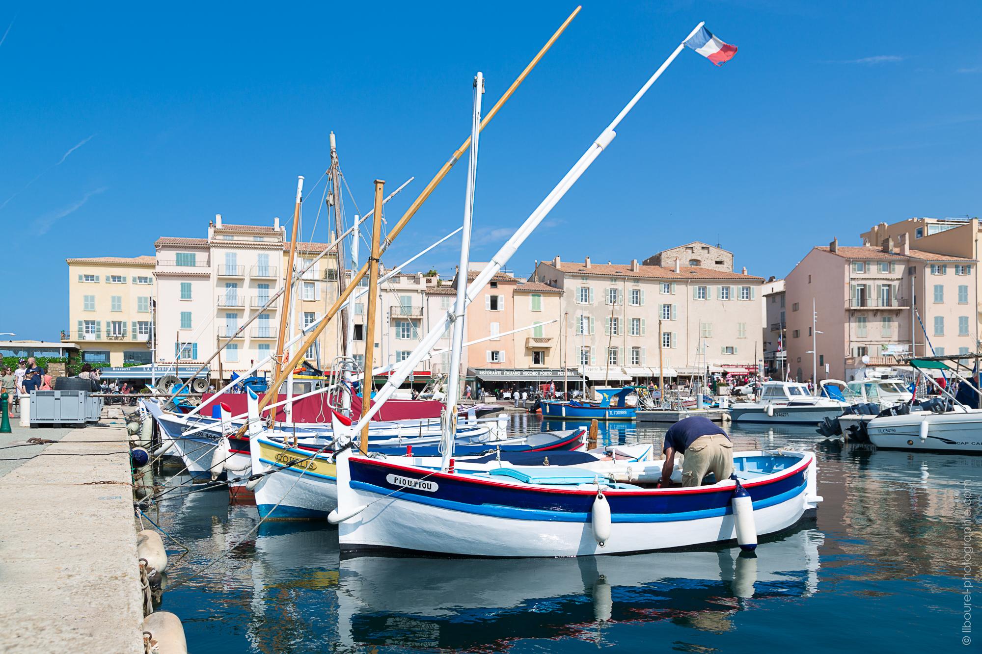 Pointu dans le port de Saint Tropez