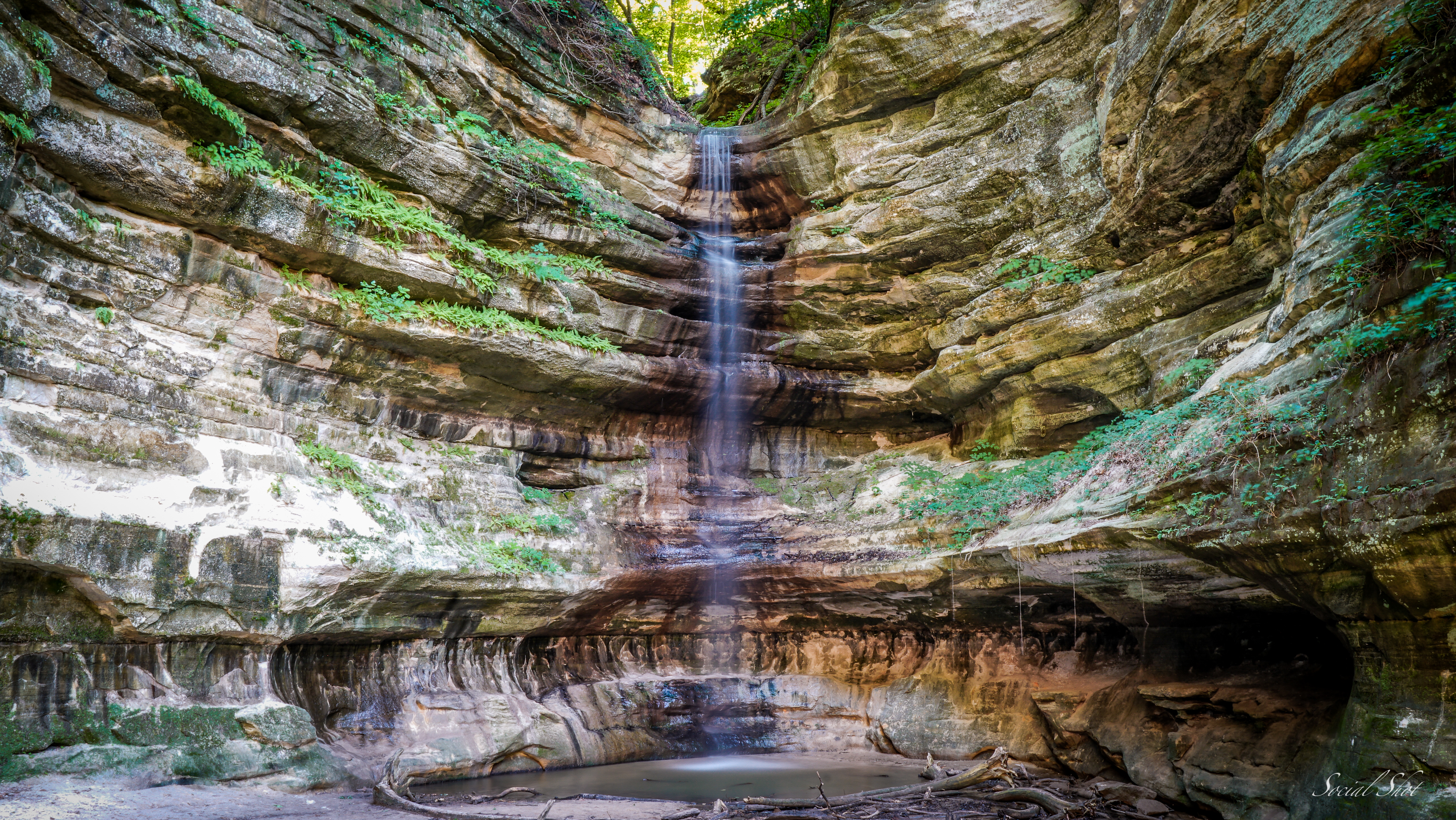 Waterfall Starved Rock Illinois
