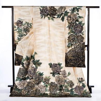 Taoyakani - Furisode Formal Kimono