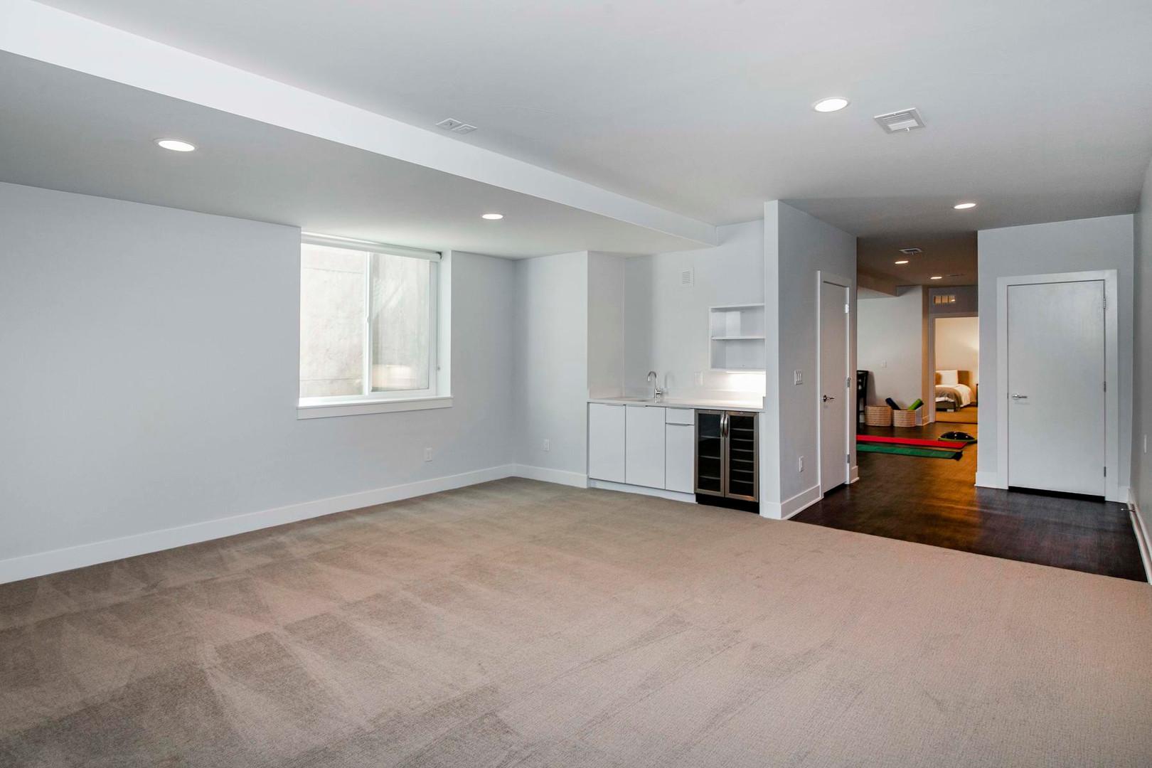 260 S Madison Street-022-040-Lower Level