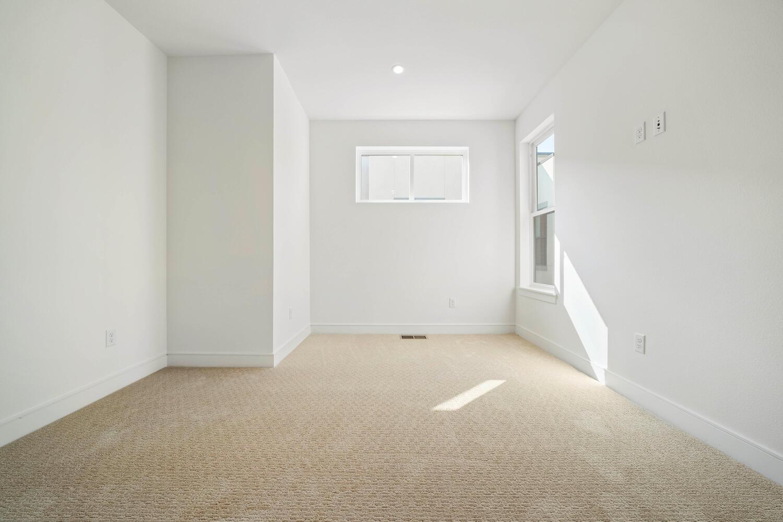 709 S Logan Street-large-027-031-Bedroom