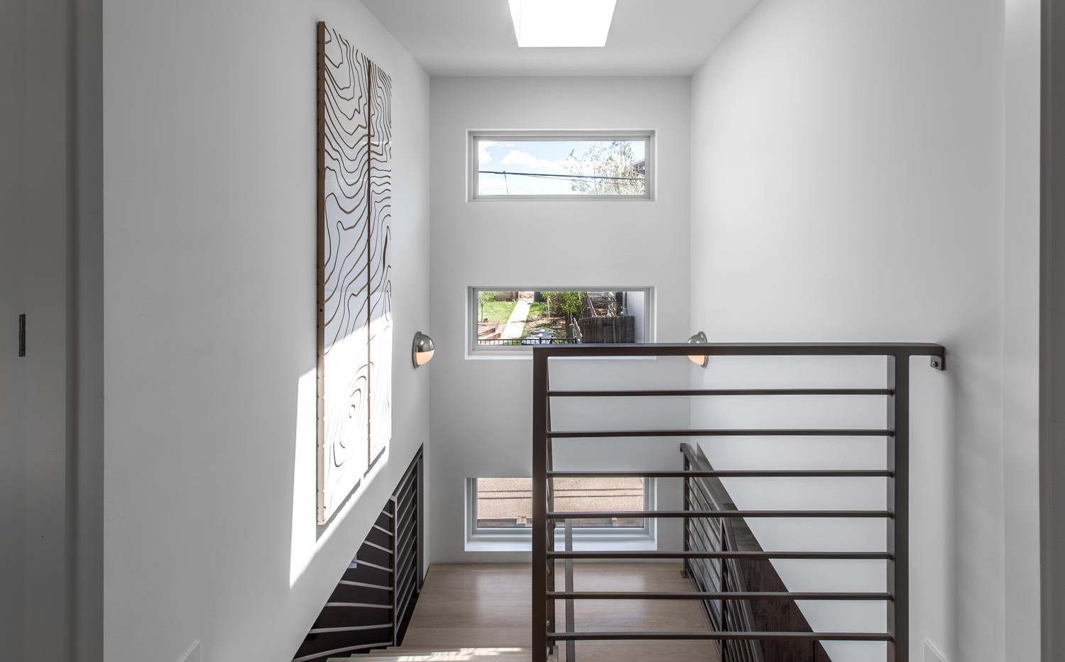 2218 W 33rd Avenue-large-029-036-Stairwa