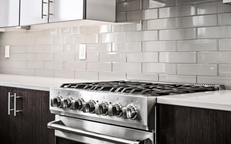 2009 W 35th Avenue-large-009-014-Kitchen