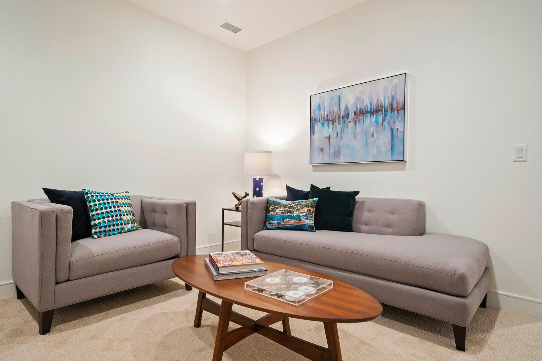 709 S Logan Street-large-035-030-Bedroom