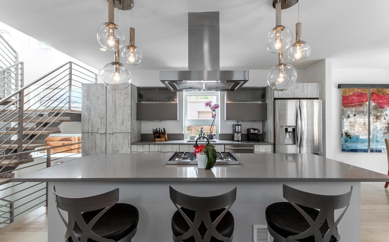 2218 W 33rd Avenue-large-013-035-Kitchen