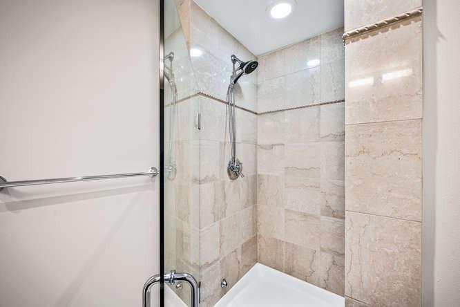 475 W 12th Ave-small-024-024-Bathroom-66