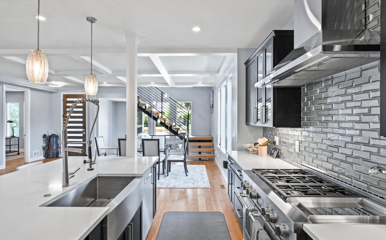 2540 Xavier Street-large-007-061-Kitchen