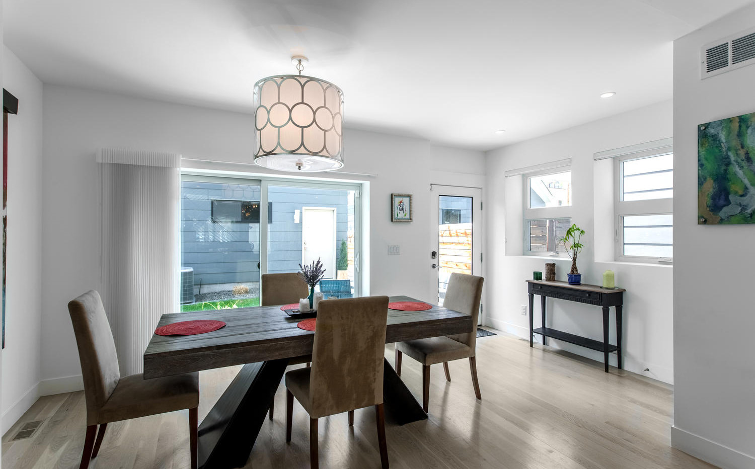 2218 W 33rd Avenue-large-018-023-Dining