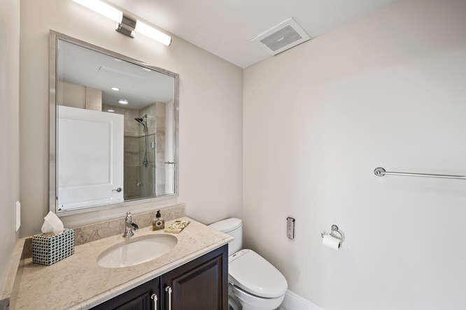 475 W 12th Ave-small-025-025-Bathroom-66