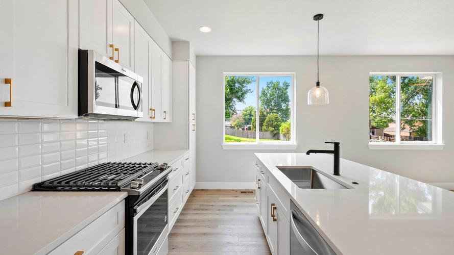 5347-osceola-st-large-011-020-kitchen-1498x1000-72dpi.jpg