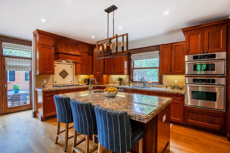 592 Franklin Street-018-69-Kitchen-MLS_S