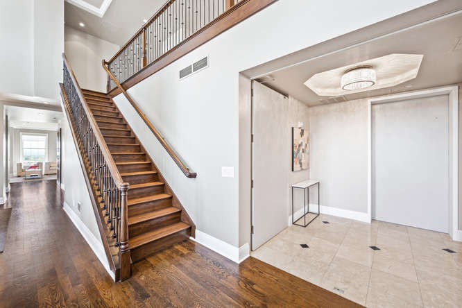 475 W 12th Ave-small-027-013-Stairway-66