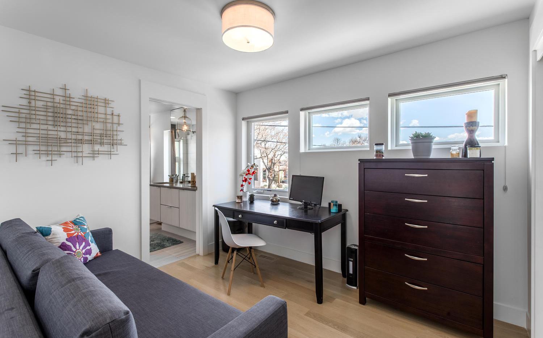 2218 W 33rd Avenue-large-025-040-Bedroom