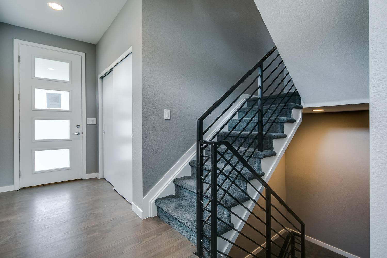 5230 Stuart Street-large-013-021-Entry-1