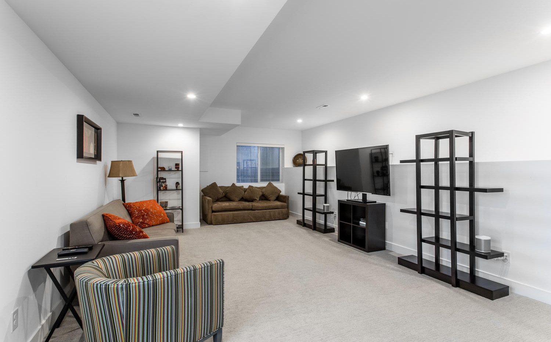2218 W 33rd Avenue-large-033-015-Lower L