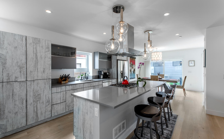 2218 W 33rd Avenue-large-012-031-Kitchen