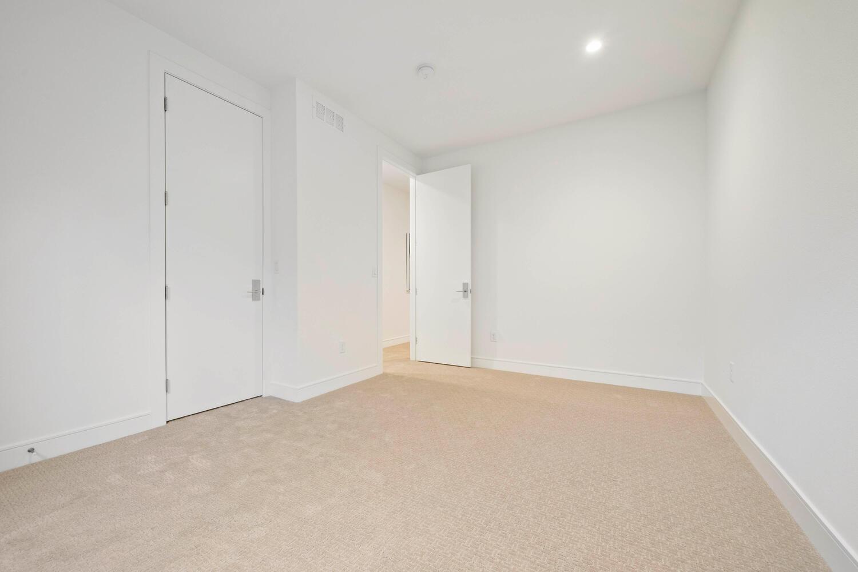 709 S Logan Street-large-038-035-Bedroom