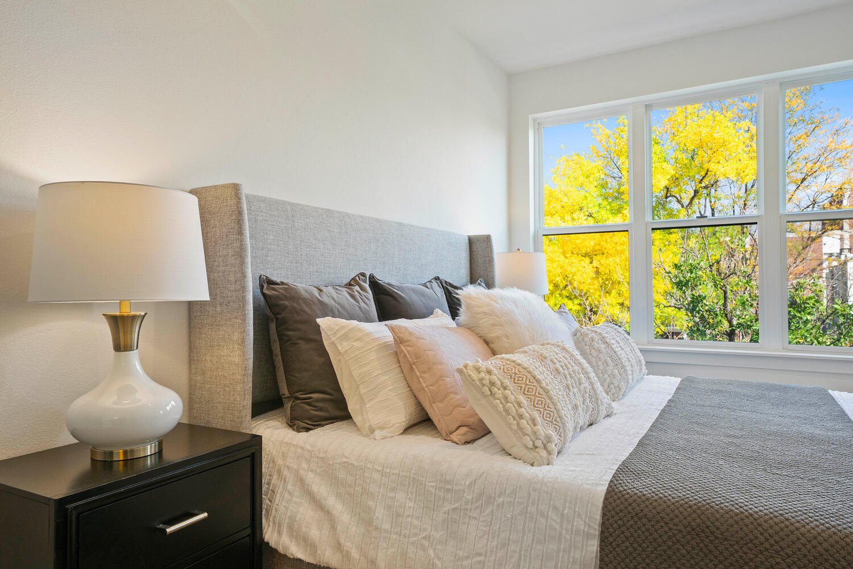 709 S Logan Street-large-022-018-Bedroom
