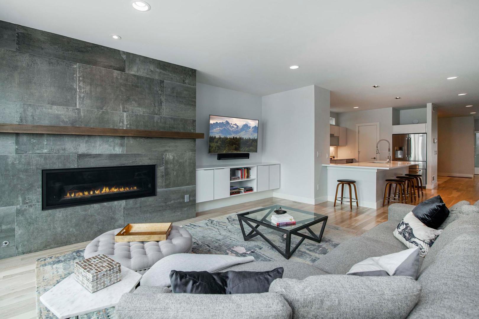 260 S Madison Street-015-022-Living Room