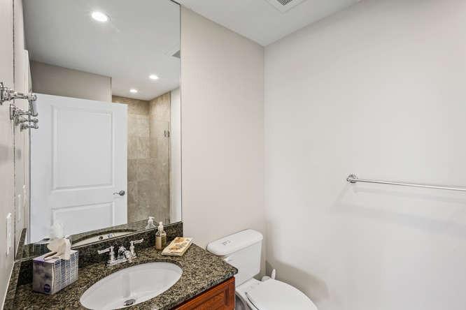 475 W 12th Ave-small-044-028-Bathroom-66
