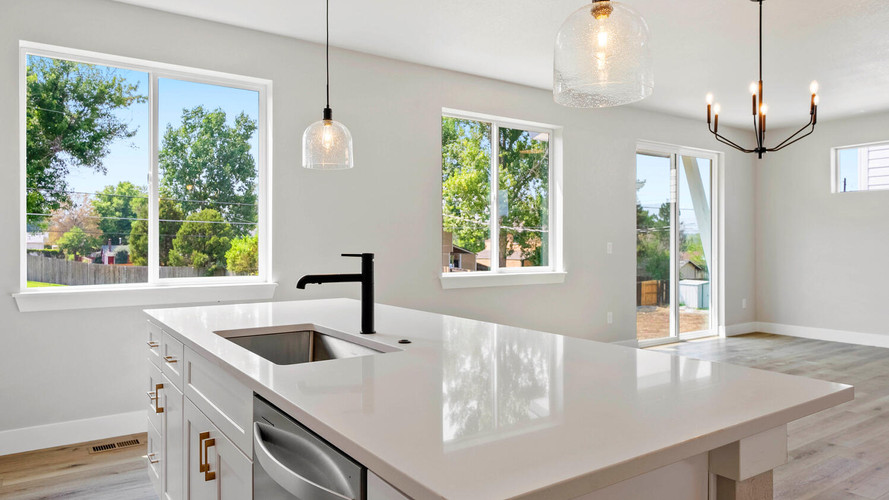 5347-osceola-st-large-018-010-kitchen-1498x1000-72dpi.jpg