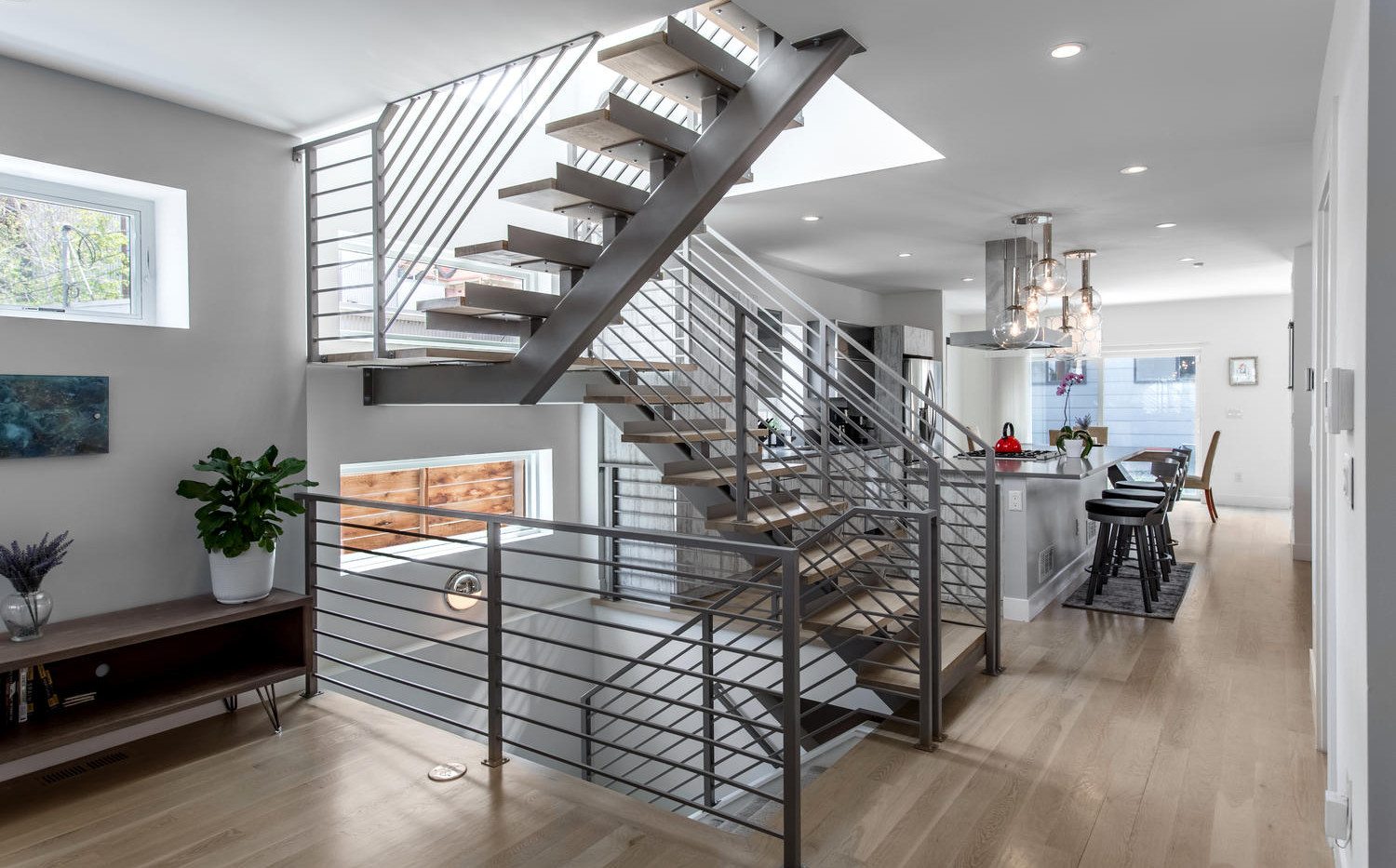 2218 W 33rd Avenue-large-011-003-Stairwa