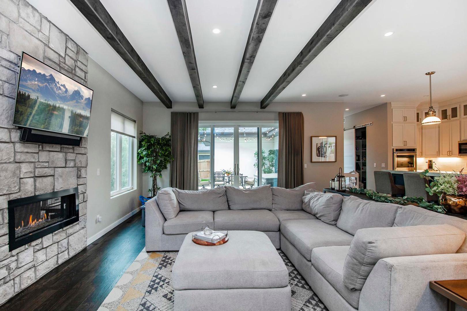 4404 Wolff Street-020-036-Living Room-ML