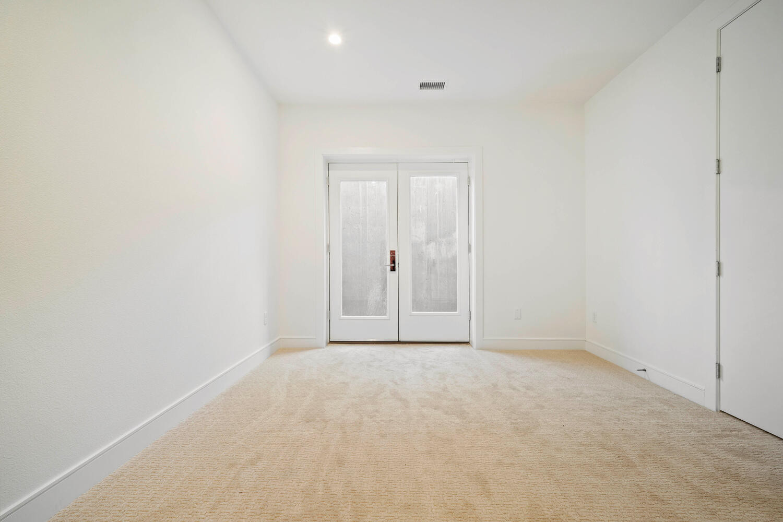 709 S Logan Street-large-037-036-Bedroom