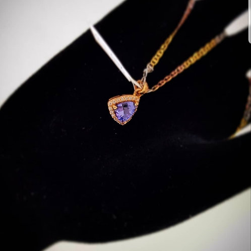 tanzanite necklace in yellowgold
