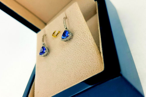 Earrings with tanzanite stone and diamonds