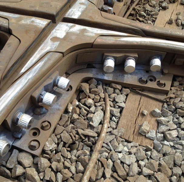 railroad-diamond-crossing_large.jpg