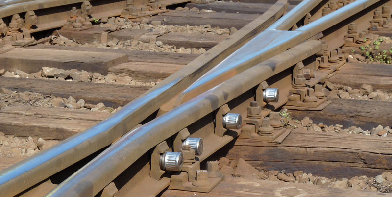 After extensive testing, Italian State Railway confirms Tracksure cannot unscrew