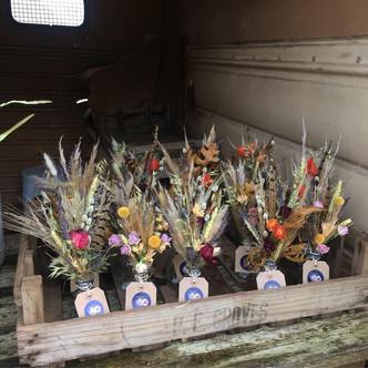 Mini dried vases