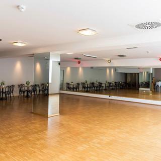 Tanzwelt Hölle Saal 2.jpeg