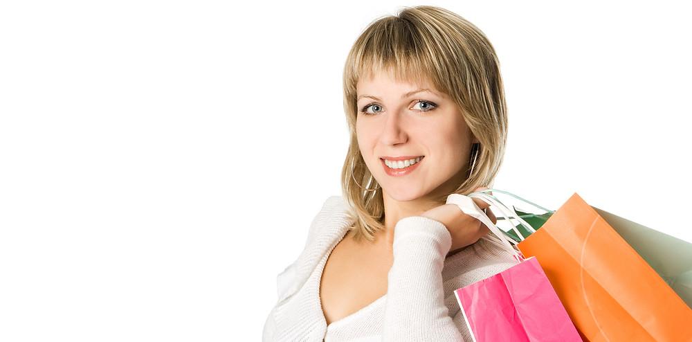 女性がショッピングバッグを持っている|副腎疲労HP