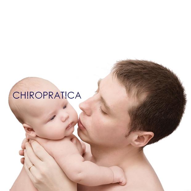 パパが赤ちゃんを抱っこしている|副腎疲労HP