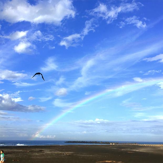 虹がくっきり「ダブルレインボー」