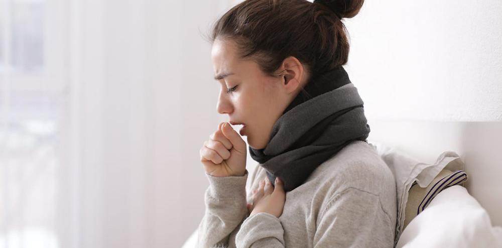 咳をしている女性|副腎疲労HP