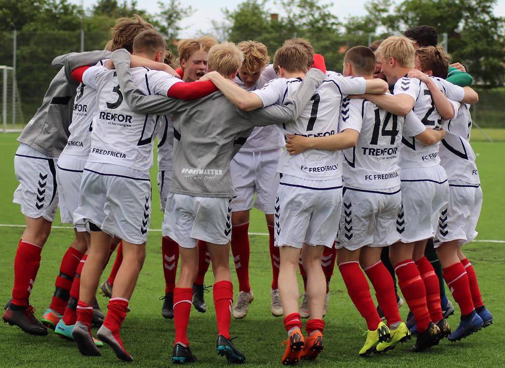U19 i sejrsdans efter storsejr på 7-0 over Vejen